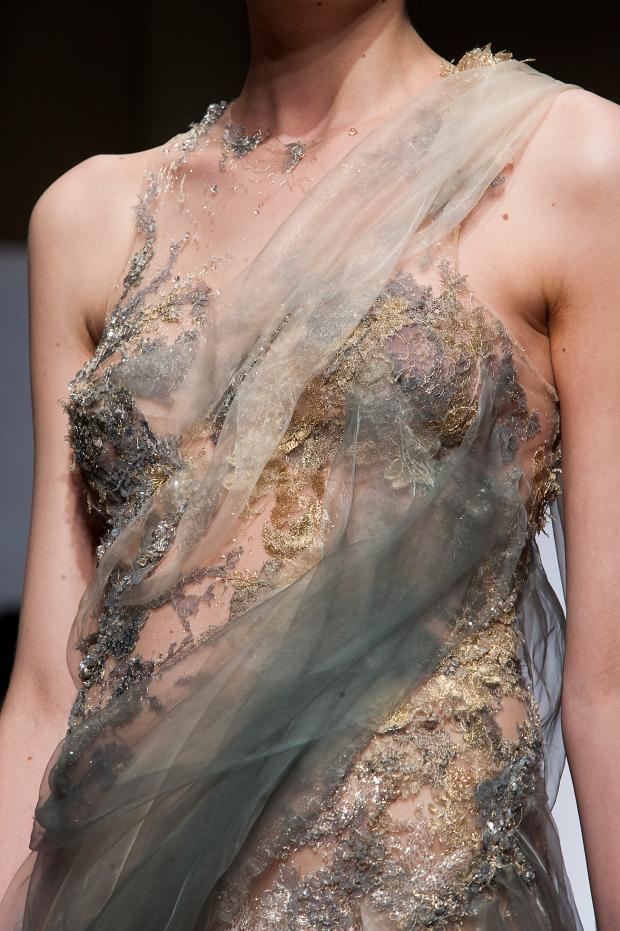 Yiqing yin haute couture f w details theglampepper