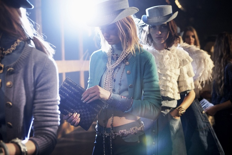 Chanel, Backstage Paris-Dallas 2013/14 Métiers d'Art show