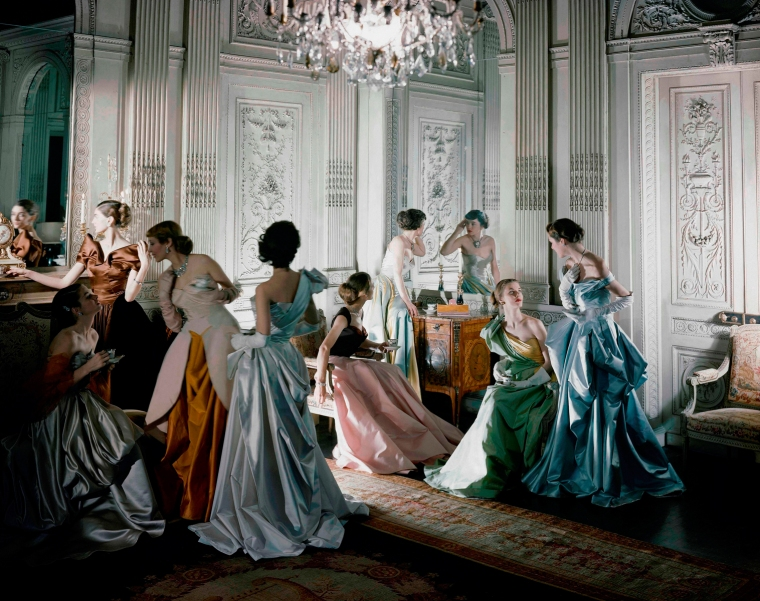 Set fotografico, abiti di Charles James, 1948. Courtesy of The Metropolitan Museum of Art. Fotografia di Cecil Beaton, Beaton / Vogue / Condé Nast Archive. Copyright © Condé Nast.