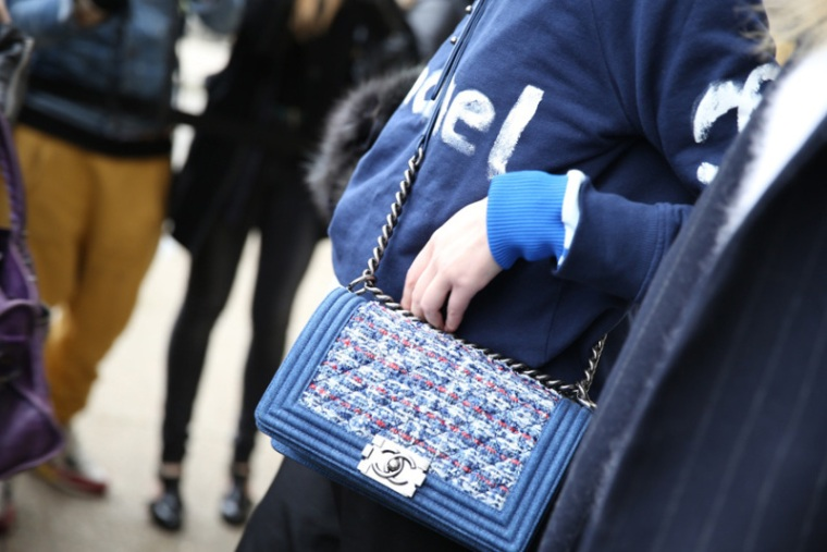 Street style Chanel bags